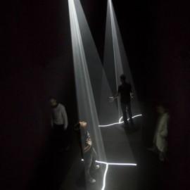 Ernesto Klar, Luzes relacionais, 2009-2010: Installation View
